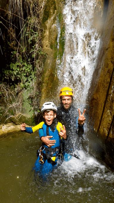 experiencia de barranquismo andalucia padre e hijo