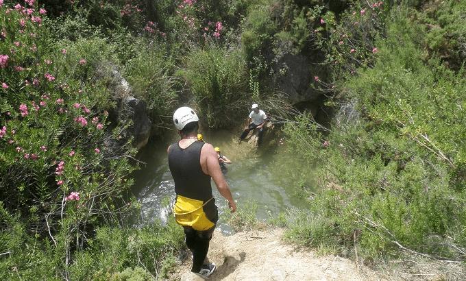 Barranco majales turismo activo saltando