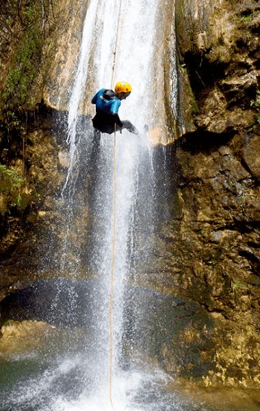 Barranco Jorox Turismo Activo depoetes de montaña despedidas de soltero
